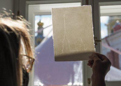 Гознак открыл мастер-класс по ручному отливу бумаги